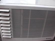 日昇家電~日立0.8噸左吹窗冷窗型冷氣無破損有使用痕跡
