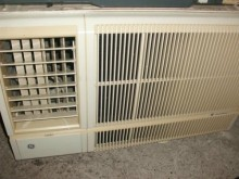 [8成新] 日昇家電~奇異0.8噸左吹窗冷窗型冷氣有輕微破損
