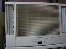 日昇家電~日立1噸雙吹窗型冷氣窗型冷氣無破損有使用痕跡
