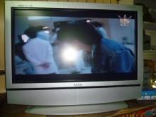 歌林32吋液晶色彩鮮艷畫質佳電視有輕微破損