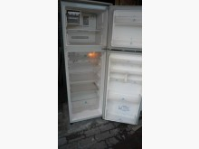 [9成新] 黃阿成~日立220公升雙門冰箱冰箱無破損有使用痕跡