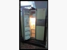 [8成新] 很新的家庭對開冰大箱~645公升冰箱有輕微破損