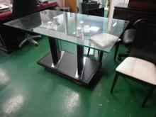 二手/中古 玻璃餐桌餐桌無破損有使用痕跡