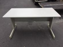非凡二手家具 4.5尺辦公桌辦公桌無破損有使用痕跡