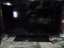 [8成新] 新力32吋LED色彩鮮艷畫質佳電視有輕微破損