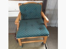 [8成新] 實木扶手椅(清倉大降價)其它桌椅有輕微破損