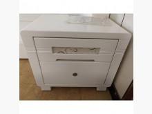 [8成新] 白床頭櫃(清倉大降價)床頭櫃有輕微破損