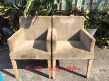 兩張好坐的椅子餐椅無破損有使用痕跡