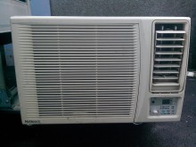 [9成新] 國際冷氣4-18坪安裝+1000窗型冷氣無破損有使用痕跡