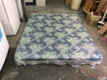 非凡標準雙人5x6.2尺彈簧床墊雙人床墊無破損有使用痕跡
