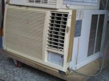 連欣二手家電-LG窗型冷氣機窗型冷氣有輕微破損