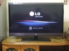 [9成新] LG42吋W5700連網液晶電視電視無破損有使用痕跡