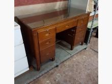 [9成新] 4尺實木辦公桌富強化玻璃桌辦公桌無破損有使用痕跡