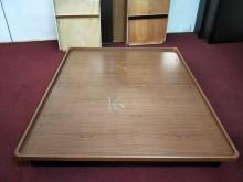非凡柚木色標準雙人5尺掀床組16雙人床架無破損有使用痕跡