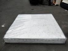 非凡 進口蜂巢六尺獨立筒名床雙人床墊無破損有使用痕跡