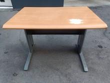 100cm 木紋辦公桌(瑕疵明顯辦公桌有輕微破損