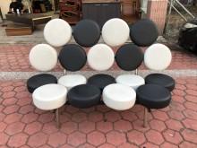 [8成新] 香榭*黑白雙色5.5尺造型等候椅其它沙發有輕微破損
