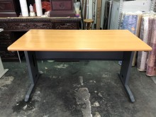 非凡二手家具140cm木紋辦公桌辦公桌無破損有使用痕跡