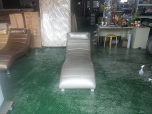 [9成新] 合運二手傢俱~銀河灰美容休閒躺椅單人沙發無破損有使用痕跡