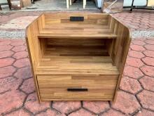 [全新] 全新拼接木紋多功能收納插座床頭櫃床頭櫃全新