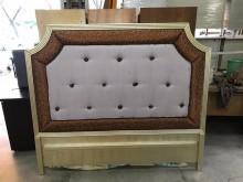 大慶二手家具 歐風床頭片床頭櫃無破損有使用痕跡