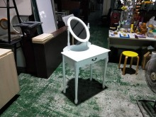 合運二手傢俱~白色仿古化妝台鏡台/化妝桌無破損有使用痕跡