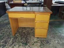 00837-辦公桌辦公桌無破損有使用痕跡