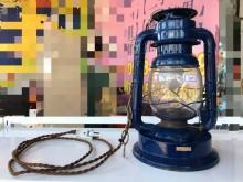 藍色鐵製露營燈(插電式)其它燈具無破損有使用痕跡