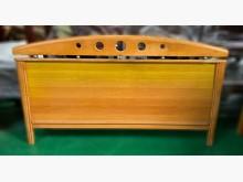 [7成新及以下] 六尺原木色床頭片* 床底 收納架床頭櫃有明顯破損