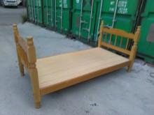 連欣二手傢俱-3尺單人床架單人床架有輕微破損