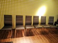 九成九新金閃閃絲絨綠餐椅餐椅近乎全新