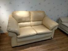 [8成新] 維多利亞雙人半牛皮沙發雙人沙發有輕微破損