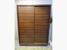 [9成新] 二手胡桃色148公分推門衣櫃衣櫃/衣櫥無破損有使用痕跡