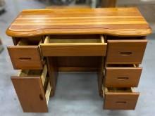 [7成新及以下] E031707*半實木6抽書桌*書桌/椅有明顯破損