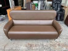 [9成新] 香榭*咖啡色皮革6尺三人座沙發椅雙人沙發無破損有使用痕跡