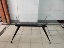 [9成新] 台中二手傢俱/5尺造型玻璃餐桌餐桌無破損有使用痕跡