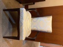 [8成新] 8成新 - 氣派胡桃木椅子 -餐桌椅組有輕微破損
