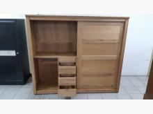 [95成新] 九成五新進口橡木實木大衣櫃衣櫃/衣櫥近乎全新