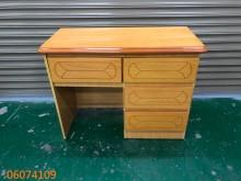 [9成新] 二手/中古 淺色4抽書桌書桌/椅無破損有使用痕跡