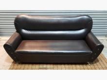 [8成新] 三人座咖啡色皮沙發雙人沙發有輕微破損