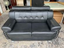 [8成新] 黑色乳膠皮 鑲鑽二人座沙發椅雙人沙發有輕微破損