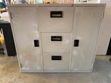 [9成新] 大慶二手家具 四尺三抽拉門文件櫃辦公櫥櫃無破損有使用痕跡