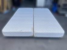 [7成新及以下] B71705* 床布箱 床的世界雙人床墊有明顯破損