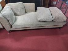 [9成新] 沙發床送兩個枕頭沙發床無破損有使用痕跡