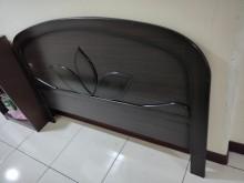 [9成新] 雙人6尺圓弧形木床頭片,江子翠雙人床架無破損有使用痕跡