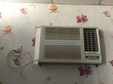 [7成新及以下] 國際牌裝窗型冷氣機8-10坪窗型冷氣有明顯破損