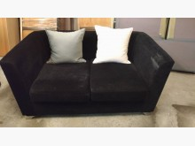 [9成新] 【尚典中古家具】黑色兩人座布沙發雙人沙發無破損有使用痕跡