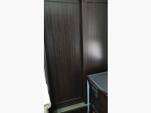 [95成新] 5尺咖啡色推門衣櫃賣屋隨便賣衣櫃/衣櫥近乎全新