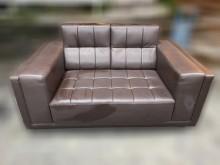 [7成新及以下] A102DA*咖啡色半牛皮沙發*雙人沙發有明顯破損