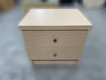 [9成新] B101404*白橡色二抽床邊櫃床頭櫃無破損有使用痕跡